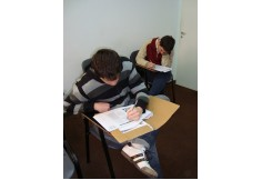 Nuestros alumnos son estudiantes universitarios, jóvenes profesionales y ejecutivos de especialidades como Administración, Econo