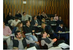 Clase DMM en la Facultad de Ingeniería UNC