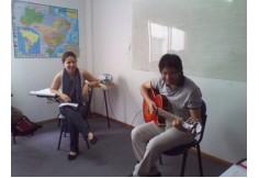 """Aluno tocando y cantando """"Garota de Ipanema"""""""