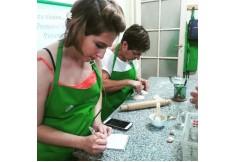 Alumnos de IATENA trabajando en sus creaciones